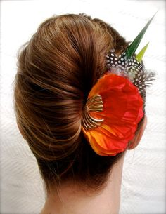 """Beyond the Sea"" Tropical Fascinator with Vintage Gold Accent"