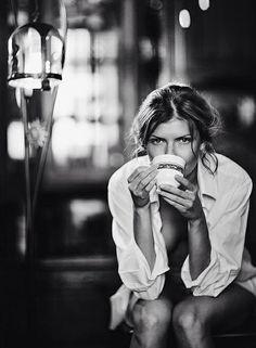 #BuenosDías #GoodMorning Un café y empezamos éste #lunes... 