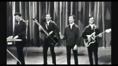 """The FOUR SEASONS  -  """"Working My Way Back To You"""" HQ AUDIO ~ 1966 - Live"""