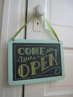 http://3.bp.blogspot.com/_wO34vBb29Qc/THN4GpIjP6I/AAAAAAAAAdI/7f5jgvkG7OE/s1600/Open:Close_Sign_04.jpg