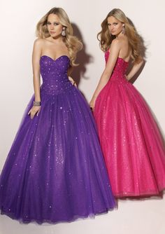 I absolutely love these! Its my DREAM DRESS!!!<3  I hope to have the purple one when it's time for my prom! ^u^