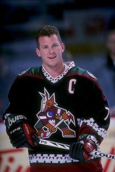 Coyotes Captain Keith Tkachuk had his retired Nhl, Coyotes Hockey, Arizona Coyotes, Hockey Stuff, Young Blood, National Hockey League, Chicago Blackhawks, Hockey Players