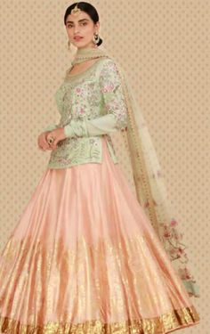 Idea1 Indian Wedding Outfits, Indian Outfits, Indian Designer Outfits, Designer Dresses, Formal Wear Women, Tunic Designs, Lehnga Dress, Lehenga Designs, Indian Fashion