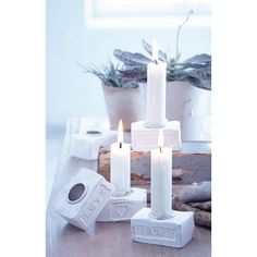 Über süße Kerzenhalter freut sich Deine Mutter sicherlich. Vor allem über diese tollen aus Zement.