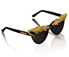 http://stylepantry.com/wp-content/uploads/2012/10/Anna-Dello-Russo-for-HM-151.jpg