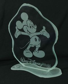 "Walt Disney World Park Exclusive Mickey Clear Glass Etched Art - 9"" Tall in Collectibles, Disneyana, Contemporary (1968-Now) 