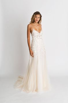 Wonderful Perfect Wedding Dress For The Bride Ideas. Ineffable Perfect Wedding Dress For The Bride Ideas. Stunning Wedding Dresses, Dream Wedding Dresses, Bridal Dresses, Wedding Gowns, Delicate Wedding Dress, Blush Dresses, Short Girl Wedding Dress, Beach Wedding Dresses, Wedding Venues