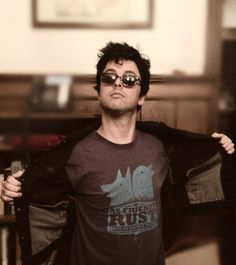 Billie Joe looking sweet as always, even in his too-big sunglasses (they are always too big) and dorky pose. His body is sizzling hot in that t-shirt, btw!