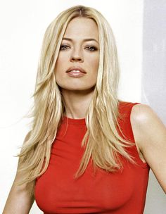 Jeri Ryan Fan Blog, jerifan: Something with a Red Theme.