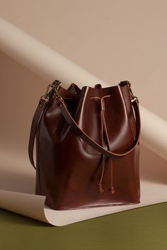 MOIMOI Marilin leather bucket bag