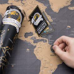 De kras-wereldkaart Scratch Map Deluxe als verfraaide versie van onze geweldige wandkaart voor reislustigen en veel reizigers.