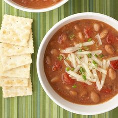 Southwestern Pinto Bean Soup ( looks like the only chili I like. Bean Soup Recipes, Ww Recipes, Mexican Food Recipes, Cooking Recipes, Healthy Recipes, Diabetic Recipes, Dinner Recipes, Healthy Soups, Vegetarian