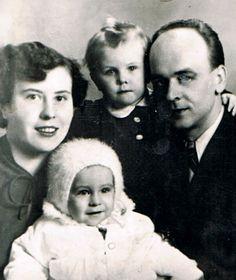 » Mrzyk family – Krystyna and Alfons with their children – Ewa and Krysztof, 1957