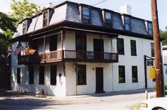 This is one of the oldest places in St. Augustine built in 1791 by Gaspar Garcia. In 1838 it was bought by Colonel Thomas Dummett and after his death in 1839 it passed to his wife. In 1845, the year Florida became a state; Mrs. Dummett gave the place to he