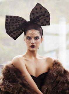 quenalbertini: A bow veiled hat Black Women Fashion, Womens Fashion, Cheap Fashion, Little Presents, Fancy Hats, Love Hat, Big Bows, Classy Women, Headgear