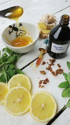 Die besten Hausmittel gegen Halsschmerzen Anne Fleck, Fitness, Healthy Food, Herbal Medicine, Medicinal Plants, Dieting Tips