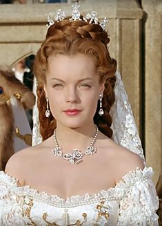 Old Hollywood Glamour, Hollywood Stars, Princesa Sissi, Empress Sissi, Princess Aesthetic, Actrices Hollywood, Beautiful Costumes, Ginger Hair, Grace Kelly