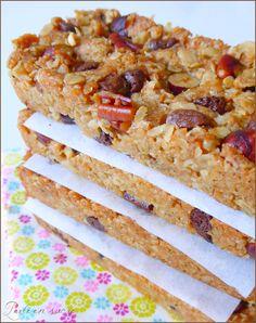 Homemade cereal bars (vegan) … – The most beautiful recipes Vegan Dessert Recipes, Raw Food Recipes, Gourmet Recipes, Sweet Recipes, Healthy Recipes, Healthy Smoothies, Healthy Snacks, Healthy Drinks, Muesli