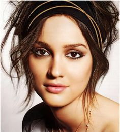 Leighton Meester grecian updo, really like the eye on this one!