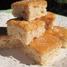 """Salted Caramel Marshmallow Crispy Treats (Gluten Free) 