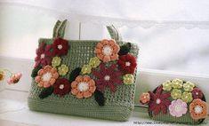 BOLSA CROCHE.  Handbag Scheme. DIAGRAM TO FOLLOW. ☀CQ #crochet #bags #totes http://www.pinterest.com/CoronaQueen/crochet-bags-totes-purses-cases-etc-corona/