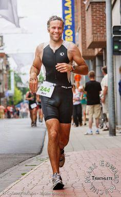 Triathletes - Yummy Bulge - Hottest Male Sports Part 1 Appareil Photo Reflex, Lycra Men, Athletic Men, Running Motivation, Sport Man, Track And Field, Sexy Men, Hot Men, Men In Black