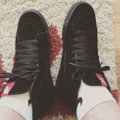 6f3f5fe370 Sweet black Vans Shoe on feet.