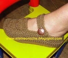 Sapatilha em Crochê Passo a Passo: http://maracrochet.com/ponto-a-ponto/sapatilha-em-croche-passo-a-passo/#