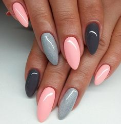 gelnägel natur rosa, lange spitze nägel, hellrosa in kombination mit grau You are in the right place about trendy nails Here we offer you the most bea Gray Nails, Love Nails, Fun Nails, Matte Nails, Black Nails, Dusty Pink Nails, Best Nails, Blue Gel Nails, Matte Pink