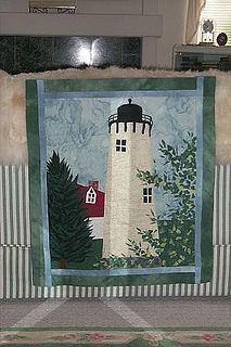 lighthouse quilt for Gloria Ocean Quilt, Quilt Patterns, Quilting Ideas, Receiving Blankets, Machine Quilting, Paper Piecing, Textile Art, Quilt Blocks, Sewing Crafts