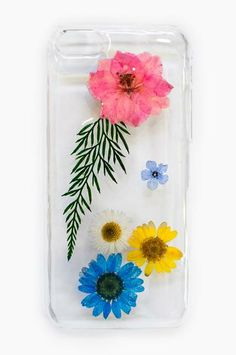 To say that we are obsessed with these gorgeous phone cases would be an understatement! We love the unexpected combo of real, dried flowers mixed with modern technology <3 Available in styles for 4/4s, 5/5s, and 5c!