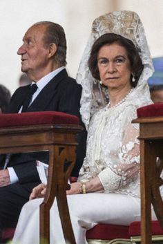 Queen Sofia and King Juan Carlos of Spain to attend the historical canonization of Jonh Paul II and John XXIII.The double canonisation of two of modern-day Catholicism's most influential figures was presided over by Pope Francis and was attended by his elderly predecessor Benedict XVI, bringing two living pontiffs together to celebrate two deceased predecessors, 27.04.14