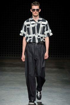 E. Tautz Spring 2016 Menswear Fashion Show