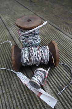 Garn aus Zeitungspapier herstellen ~ DIY ~ How to make yarn out of newsprint paper