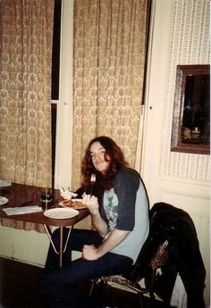 Cliff Burton Eating at the infamous Metalli-Mansion.