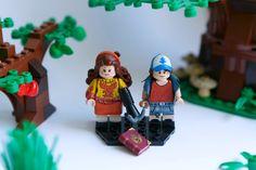 Baby Doll Clothes, Baby Dolls, Fall Tv Shows, Lego Tv, Mundo Geek, Amazing Lego Creations, Lego Minifigs, Lego Harry Potter, Custom Lego