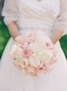 pink and white bouquet by Dolce Designs Studio