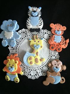 Jungle Party Decoration Baby Animals Cake Decorations Beautiful jungle party favor set it can be used in different Cake Decorations, party favors, Guess table Decorations, Safari and Jungle theme as t Fiesta Baby Shower, Baby Shower Giraffe, Baby Shower Cakes, Baby Shower Favors, Baby Shower Parties, Shower Baby, Jungle Safari Cake, Safari Cakes, Jungle Theme