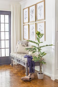 Easy diy decor tips are offered on our internet site. Check it out and you wont be sorry you did. Outdoor Couch, Ikea Bookcase, Bookcases, Selling Your House, Affordable Home Decor, Decorating On A Budget, Modern House Design, Home Decor Items, Home Decor Inspiration