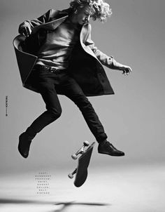 Ben Nordberg poses for The Block Magazine's new shoot by Beau Grealy with splendid styling by James Worthington-DeMolet. Foto Fashion, Mens Fashion, Fashion 2020, Girl Fashion, Ben Nordberg, Action Photography, White Photography, Christmas Party Outfits, Skate Surf