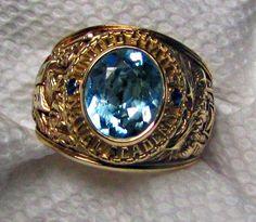 Mens Gold Rings, Rings For Men, Armadura Ninja, College Rings, Best Watches For Men, Signet Ring, Bracelets For Men, Band Rings, Class Ring