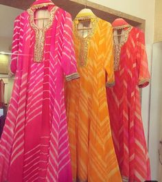 Bandhani dress - Getting festive ready this Diwali Season come let's celebrate festivecollection leheriya traditionalove gettingallfestive diwali pretrange bhumikagrover delhi mumbai Kurta Designs Women, Blouse Designs, Dress Designs, Pakistani Outfits, Indian Outfits, Mehendi Outfits, Indian Attire, Indian Wear, Bandhani Dress