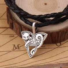 Hot Style Viking Jewelry Celtic Knots fox/cat Necklaces &Pendants Triquetra Silver Color Metal Chain Gift For Women & Men Leather Chain, Braided Leather, Leather Necklace, Leather Cord, Leather Tooling, Metal Chain, Wolf Necklace, Pendant Necklace, Celtic Necklace