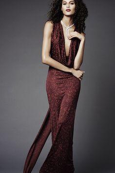 The complete Zac Posen Pre-Fall 2015 fashion show now on Vogue Runway. Zac Posen, Runway Fashion, Fashion Show, Fashion Design, Fashion 2015, Julien Fournié, Color Borgoña, Vogue, Fuchsia