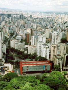 MASP - Museu de Arte de São Paulo (The São Paulo Museum of Art) is an important fine-art museum located on Paulista Avenue in the city of São Paulo, in Brazil. By Lina Bo Bardi.