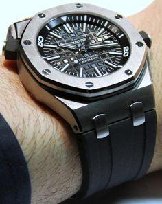 audemars piguet at the sihh Audemars Piguet Gold, Audemars Piguet Diver, Audemars Piguet Watches, Stylish Watches, Luxury Watches For Men, Cool Watches, Men's Watches, Gentlemans Club, Ap Royal Oak