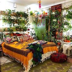 Bohemian Bedroom Design, Boho Bedroom Decor, Bedroom Designs, Modern Bedroom, Bedroom Ideas, Bohemian Bedrooms, Bedroom Décor, Quirky Bedroom, Bedroom Plants Decor