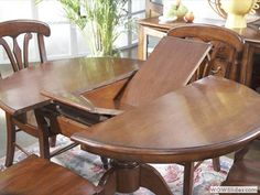 An expandable dining table may be the answer to space issues if you do not have a room dedicated to dining or you simply want to be able to make better use of your space.