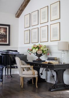 How to Decorate a Big Blank Wall - Sanctuary Home Decor | 5 ideas on how to decorate a big blank wall. From gallery walls to bed walls, see examples of how to use artwork, mirrors and decor in your home.