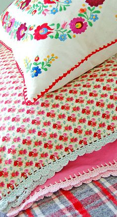 Crochet-edge pillowcases...